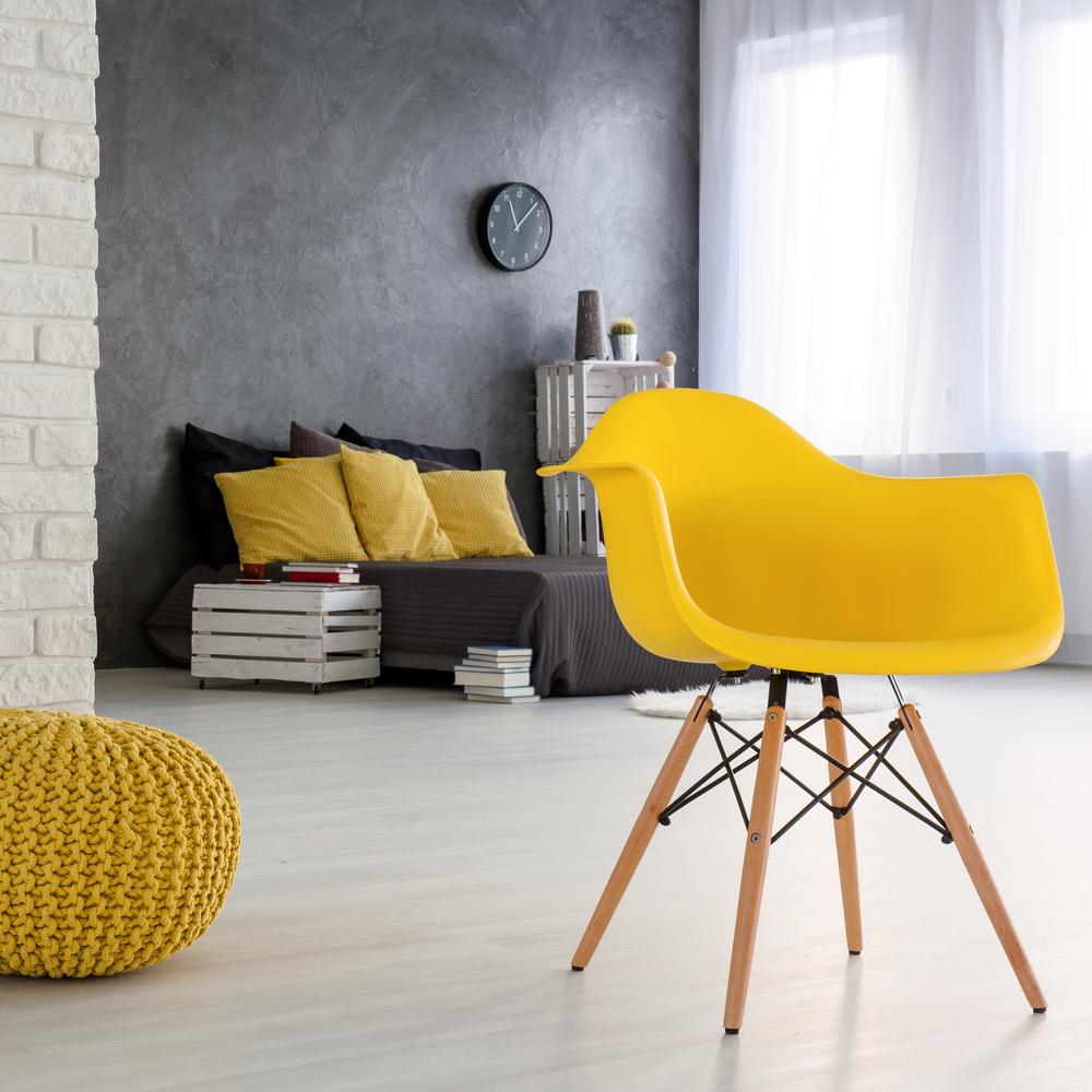 Желтый интерьер и желтая мебель.